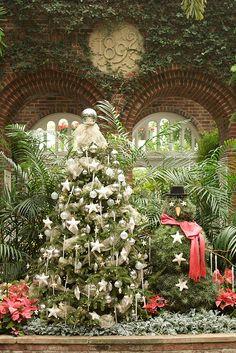 christmas tree & snowman topiary