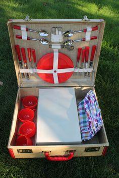 Vintage 1950s Warren picnic suitcase set with red Bakelite silverware on Etsy, $165.00
