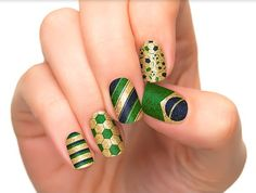 FIFA World Cup 2014 Brazil Nail Art Designs for everyone to try. Support your team by wearing these FIFA world cup nail art designs and cheer for your team Soccer Nails, Football Nail Art, La Nails, Matte Nails, Holiday Nails, Christmas Nails, Nail Designs 2014, Manicure Y Pedicure, Finger