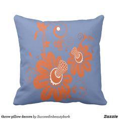 throw pillow decore