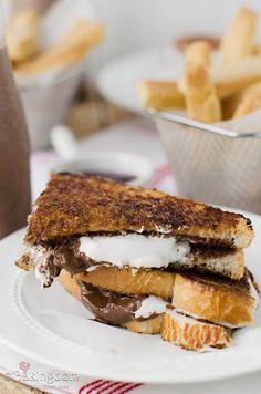 Brown Sugar-Cinnamon Nutella S'more Sandwiches from Bakingdom