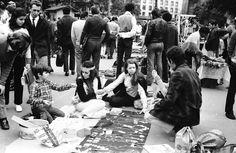 "Francisco de Almeida Lopes/Álbum de fotos. : FEIRA ""HIPPIE"" DA REPÚBLICA - INÍCIO DOS ANOS 70"