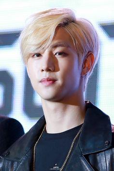 Would you look at that, a lil Dump Got7 Mark Tuan, Got7 Jb, Kim Yugyeom, Youngjae, Bambam, U Mark, Mark Jackson, Got7 Members Profile, Blonde Asian