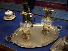 Dolmabahce Palace Antiques