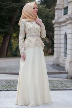 This product is not accepted as refund because it is in Ehime.Product FeatureFabric: Organza tulle on chiffon fabricProduct Length: 160 cmSpecimen Bed: 38Model SizesBody: 81-60-90Height: 172 cmSize: 38