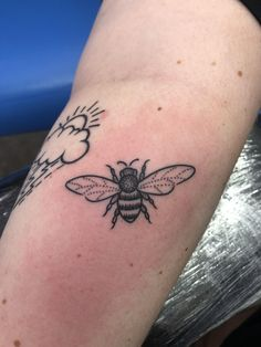 My bee! by Austin @ Scottish rose tattoo in Mn! - My bee! by Austin @ Scottish rose tattoo in Mn! Pretty Tattoos, Cute Tattoos, Beautiful Tattoos, Small Tattoos, Tatoos, Piercings, Piercing Tattoo, Body Art Tattoos, Sleeve Tattoos