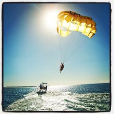 If #parasailing isn't on your #bucket list, go ahead and add it. | floridatravellife.com