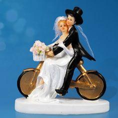 Sujet de Mariage du Couple de Mariés sur Vélo