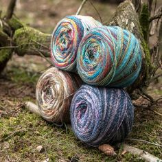 Please welcome the delicious cake-yarn: Cookie – an exciting acrylic yarn from Järbo, perfect for knitted or crocheted garments and accessories. Knit Or Crochet, Crochet Gifts, Crochet Hooks, Wool Yarn, Knitting Yarn, Yarn Cake, Spinning Yarn, Hand Dyed Yarn, Christmas Sale