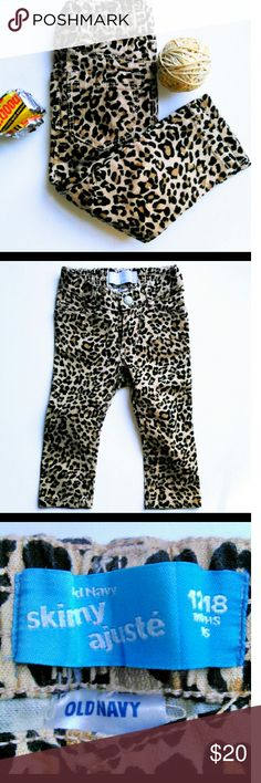 👖 OLD NAVY SKINNY AJUSTE BOTTOMS Tiny and cute.  Skinny leopard print bottoms.  Old Navy pockets n front and back.  Size 12-18mo EUC Ask B4 you buy. Old Navy Bottoms Casual