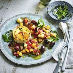 Käse-Soufflé Rezept | Küchengötter Clean Recipes, Baked Potato, Camembert Cheese, Potato Salad, Cravings, Potatoes, Eggs, Keto, Chicken