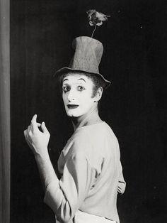 Etienne Bertrand Weill - Le mime Marceau, ca. 1950. S)
