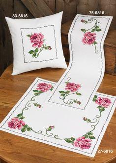 Cross Stitch Heart, Cross Stitch Flowers, Counted Cross Stitch Patterns, Cross Stitch Embroidery, Brazilian Embroidery, Hand Embroidery Designs, Filet Crochet, Flower Crafts, Cross Stitching