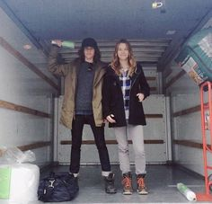 Katherine Moennig ♡ fuckyesleishahailey: If anyone knows how to Uhaul…we do. Insert jokes here [x] Shane L Word, Shane Mccutcheon, Leisha Hailey, Katherine Moennig, Jennifer Beals, Androgynous Fashion, Lesbian Love, Love Her Style, Favorite Tv Shows