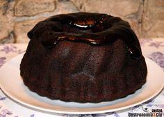 Bundt cake de chocolate con almendras