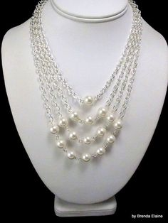Pyramid of Pearls Necklace, so pretty: