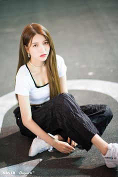 Photo album containing 8 pictures of Sowon Gfriend Album, Gfriend Yuju, Gfriend Sowon, South Korean Girls, Korean Girl Groups, K Pop, G Friend, Recent Events, Girl Bands