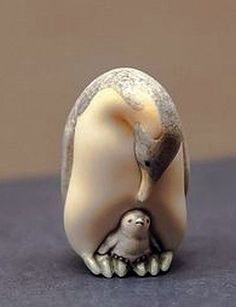 NETSUKE PENGUINS