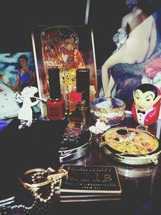 My room-Klimt gold