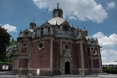 Basílica de Guadalupe Barcelona Cathedral, Mansions, House Styles, Building, Travel, Mexico City, Cities, Viajes, Manor Houses
