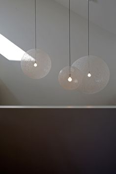 I'm not a big fan of Dutch design nor of the work of Moooi but I do like their Random Light.