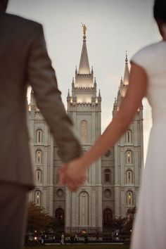 LOVE LOVE LOVE the couple looking at the temple and holding hands!!