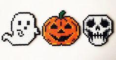Qui a peur des perles Hama ? le retour de la sélection Halloween - Modèles Hama Book Images, Perler Beads, Coloring Books, Creations, Crafts, Recherche Google, Character, Inspiration, Check