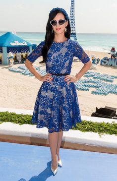 ¿Qué color de zapatos usar para combinar un vestido azul? - IMujer