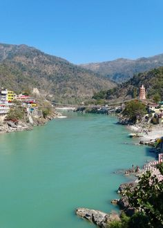 Rishikesh Coffee & 16 Best Cafes in Rishikesh - Where Goes Rose? - A Rishikesh cafe guide including 16 cute, hippie cafes! Ancient Greek Architecture, Gothic Architecture, Palace, German Bakery, Rishikesh India, Backpacking India, Honeymoon Hotels, Cute Cafe, Beach Cafe