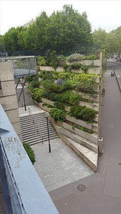 Plantbakken in de muur, Promenade Plantee