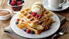 Recept na jednoduché belgické wafle - KAMzaKRASOU.sk Diner Recipes, Waffle Recipes, Brunch Recipes, Breakfast Recipes, Diner Food, Paleo Recipes, Dessert Recipes, Waffle Ice Cream, Waffle Bar