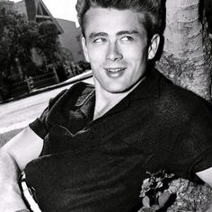 Let these facts sink in: James Dean starred in only three movies, his Hollywood career lasting just 18 months. He was already dead when Rebel Without a Cause and Giant were released. Hollywood Stars, Classic Hollywood, Old Hollywood, Hollywood Glamour, Robert Mapplethorpe, Annie Leibovitz, Richard Avedon, Sean Penn, Catherine Deneuve