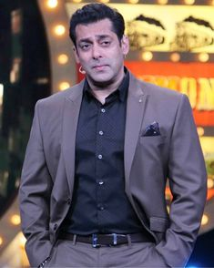 Salman Khan Photo, Shahrukh Khan, Bollywood Girls, Bollywood Stars, Movie Teaser, Sonakshi Sinha, Handsome Actors, Celebrity Crush, Cute Boys