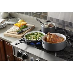 Each piece in this premium cookware set features a PFOA- and PTFE-free ceramic nonstick interior and Calphalon®'s signature hard-anodized aluminum construction to provide durability, easy food release and fast cleanup to your kitchen.