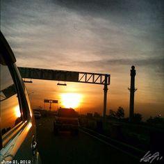 朝焼け3 #daybreak #morning #sun #sunrise #sky #cloud #philippines #フィリピン #空 #雲 #朝日