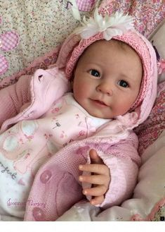 "Resultado de imagem para Item no: 302240001 Sandy Faber ""Welcome To The World"" Newborn Baby Girl Doll Baby Dolls For Kids, Baby Dolls For Sale, Real Life Baby Dolls, Baby Girl Dolls, Toddler Dolls, Reborn Dolls For Sale, Reborn Baby Girl, Newborn Baby Dolls, Reborn Babies"
