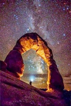 Milky way over Arches national park.a desert landscape in Utah. Beautiful World, Beautiful Places, American National Parks, Delicate Arch, Parcs, Adventure Is Out There, Milky Way, Amazing Nature, Belle Photo