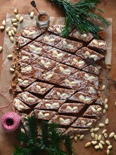 Nuremberg Elisen gingerbread from the tin - La Crema- Nürnberger Elisenlebkuchen vom Blech – La Crema I have a quick version of the Nuremberg … - Easy Smoothie Recipes, Easy Smoothies, Cinnamon Cream Cheese Frosting, Cinnamon Cream Cheeses, Gingerbread Cookies, Christmas Cookies, Cookie Recipes, Snack Recipes, Vegetarian Recipes