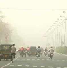 Jaipur witnesses a semi-arid type of weather. It is a fusion of tropical and desert type weather. Temperatures normally remain extreme throughout the year.
