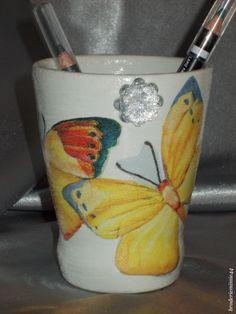 Collage serviette papier & brillant - Papillons - Pot Diam7.5cm - Décoration -. Blog : http://broderiemimie44.canalblog.com/