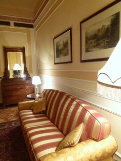 """Camera di """"Hotel Bristol Palace"""", Genova Italia (Luglio)"""