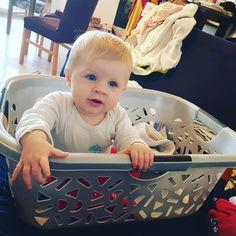 Publication Instagram par Parent'pono • 25 Juin 2019 à 11:41 UTC Baby Gym, Plastic Laundry Basket, Parenting, Instagram Posts, Play Gym, Childcare, Natural Parenting