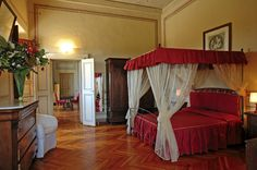 Vacation rentals in Tuscany,villa apartments Tuscany Italy Spacious Living Room, Living Room Kitchen, Dining Room Fireplace, French Bed, Furnished Apartment, Luxury Accommodation, Tuscany Italy, Common Area, Kid Beds