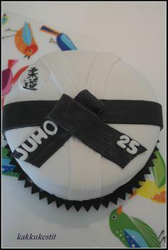 Cakes, Facebook, Fashion, Moda, Cake Makers, Fashion Styles, Kuchen, Cake, Pastries