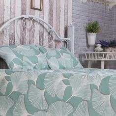 Mint Bed Coverlet with tropical print http://lavendersky.org/coverlets/mint-bedcover.html