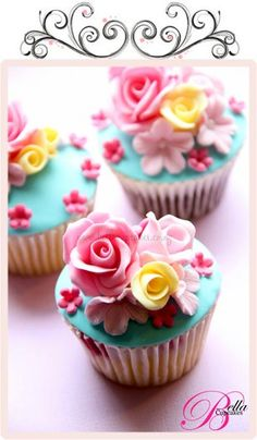 Bella Cupcakes - an amazing blog/website.  Gorgeous work!