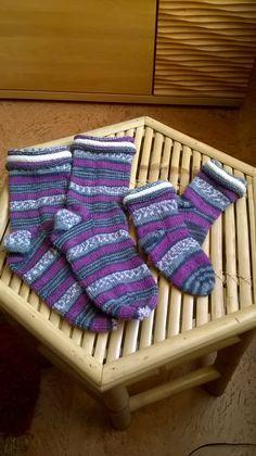 Eigene Arbeiten: Gestrickte Socken mit dreifachem Rollrand für Mama und Wanda