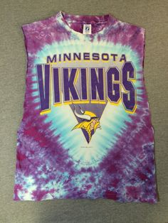 MINNESOTA VIKINGS Shirt 1993 Vintage  90 s Tie Dye Logo 7 Cotton DIY  Sleeveless Football Tshirt  Hippie NfL Fan T-shirt UsA Made Med f7ac57780