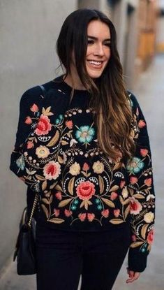 Boho Chic Outfit Ideas ⭐ featuring A Rich Embroidery Sweater. Shop New Arrivals and check out the latest Outfit Ideas and Inspiration. Boho hippie gypsy style clothing and apparel store. Available for retail and wholesale. ⭐ Shop this look ! Boho Chic, Look Fashion, Autumn Fashion, Womens Fashion, Street Fashion, Fashion Jobs, Fashion 2018, High Fashion, Fashion Dresses