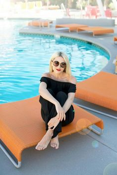 Jumpsuit:Loft(in black and red, also love thisromper). Sunglasses:Loft(more sunglasses here). Thank you toLoftfor partnering on this post.Shop their other swim looks here!